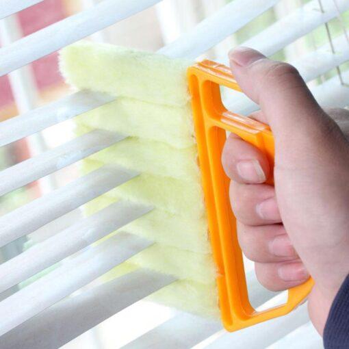 čistící kartáč na žaluzie