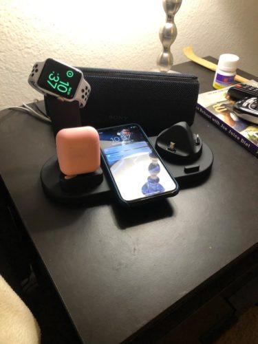 Bezdrátová nabíjecí stanice 4v1 s technologií Qi + bezdrátová sluchátka ZDARMA photo review